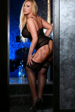 Kristie happy ending massage, escort
