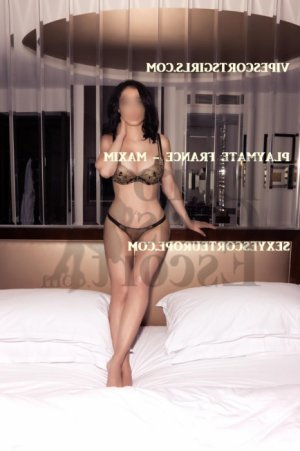 Lyvie escort girl, erotic massage