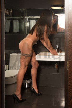 Guyonne escort girl in Greenville