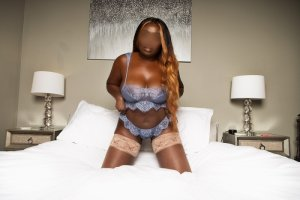 Annina escort girl in Winfield KS and thai massage