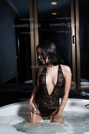 Tristane escort girl in Greenville and massage parlor