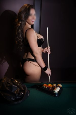 Marie-priscille erotic massage and escort girl