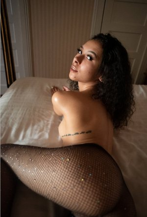 Ginette nuru massage and escort